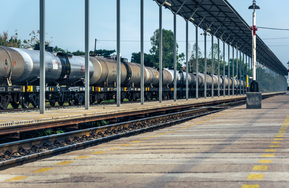 According to the National Energy Board, Canada exported an average of 46,000 bpd of crude oil by rail to the United States in 2012.